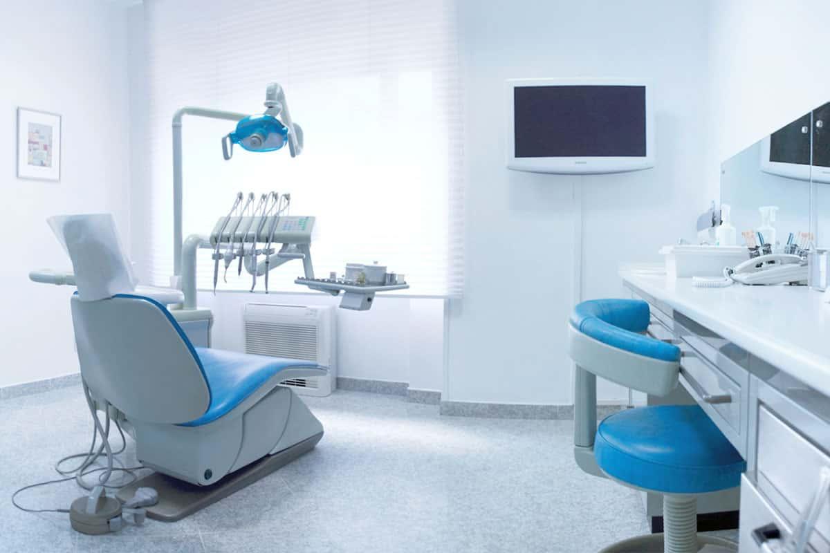 Stomatološke ordinacije |Dentalna implantologija i estetika Koran